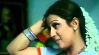 getlinkyoutube.com-Mallu Anty Masala B grade Movie Scene - MALLU AUNTY NAVEL SLIP