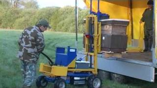 getlinkyoutube.com-Beekeeping Part 03 - Moving bees to oilseed rape