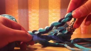 getlinkyoutube.com-Como hacer Collar de trapillo caracol