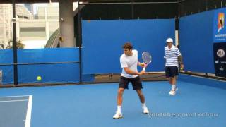 getlinkyoutube.com-Roger Federer - Slow Motion Backhands in High Definition, Australian Open 2011