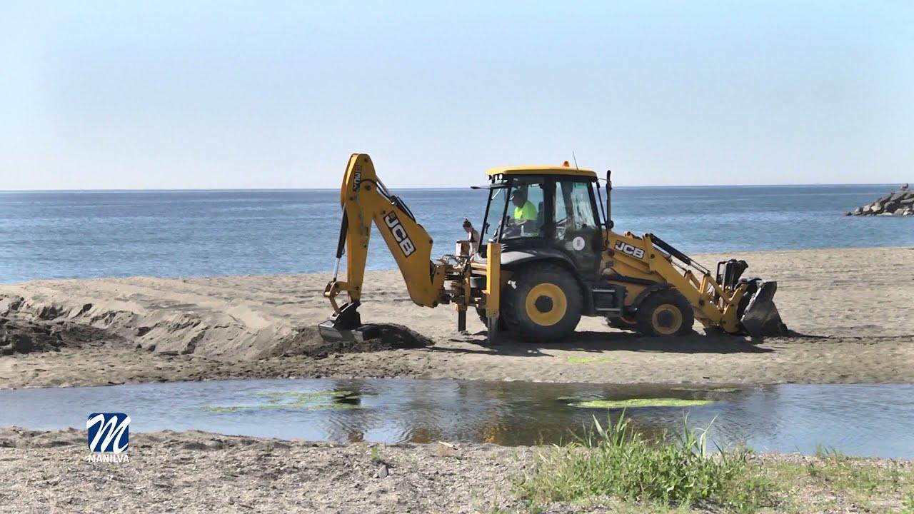 Limpieza intensa en las playas de la localidad