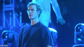 Justin Bieber Is A No-Show For 'Despacito' Performance at Grammys | 2018 Grammys