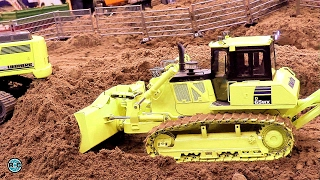 getlinkyoutube.com-RC Construction Site - Building Road 🚧 Lipper Modellbau Tage 2017