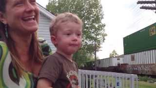 getlinkyoutube.com-Engineer's Son Realizes His Dad is Driving Passing Train