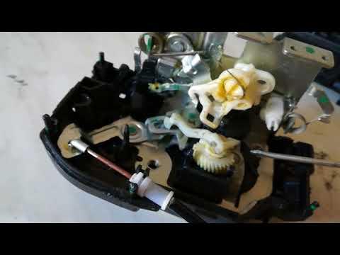 Nissan Pathfinder Ремонт ручки и центрального замка