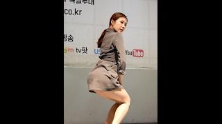 getlinkyoutube.com-170218 클라썸 (Clawsome) 댄스공연 - 짧은 치마 (다운) 직캠 by 수원촌놈 [동대문 굿모닝시티]