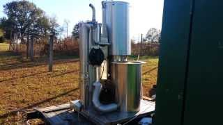 getlinkyoutube.com-Gasifier Running a Ford 45kw Generator