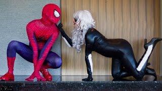 getlinkyoutube.com-Spiderman Captain America vs Joker and Catwoman in Real Life Fun Fight