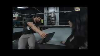 getlinkyoutube.com-Seth Rollins and Paige Kiss From A Rose