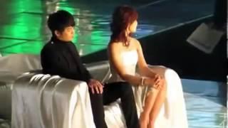 getlinkyoutube.com-[Fancam] Seo In Guk & Jung Eun Ji - 121214 MMA (before the start)