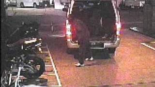 getlinkyoutube.com-CBR600RRバイク盗難防犯カメラ映像(2009年2月24日京都市)
