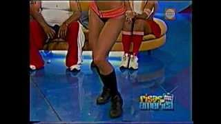 getlinkyoutube.com-PALOMA FIUZA VS KAREN DEJO BAILANDO AXE Y CUMBIA (AÑO 2004)