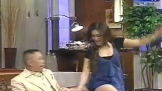 getlinkyoutube.com-Tukul remas pantat Bella Saphira.. emang lucu ya ?!!!