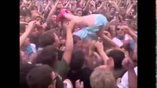 getlinkyoutube.com-katy perry´s awesome stage dive