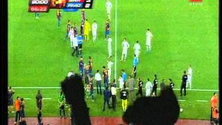 getlinkyoutube.com-Tercer gol de Messi, Escándalo, Mourinho y Tito Vilanova - Supercopa Española 2011 (vuelta)