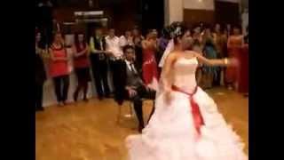 getlinkyoutube.com-عروسه جامده و احلى دبكه فى احلى فرح وعريس مسخره