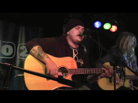 Black Stone Cherry - White Trash Millionaire (live and acoustic)