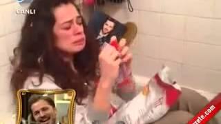 getlinkyoutube.com-Özge Özpirinççi Engin Altan Düzyatan Sevgililer Günü Sürpriz Videosu   Beyaz Show