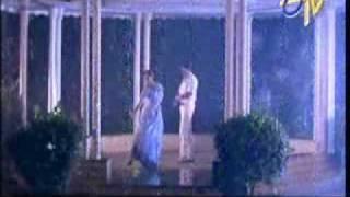 getlinkyoutube.com-shobana hot  rain song