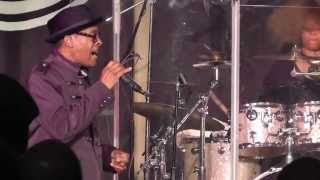 getlinkyoutube.com-SOS Band - Tell Me If You Still Care (Live at Luxury Soul Weekender 2014 @ Hilton Blackpool)