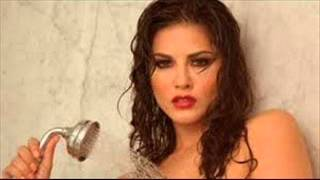 Sunny Leone's Hot Bath Scene LEAKED width=