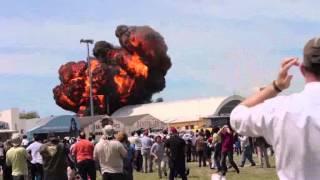 getlinkyoutube.com-ویدئو; لحظه سقوط و انفجار هولناک یک هواپیما در مادرید