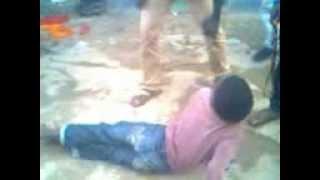 getlinkyoutube.com-kipigo cha dogo mwizi wa simu
