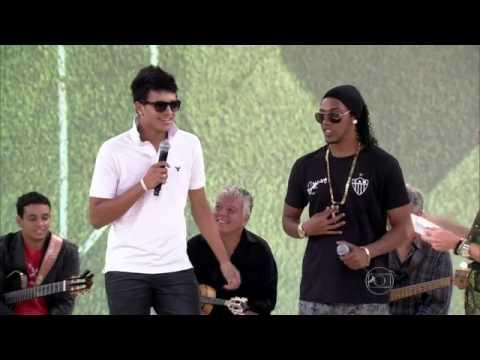 Sósias de Neymar e Ronaldinho Gaucho, participam do encontro com Fátima - 14/05/2013