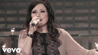 getlinkyoutube.com-Kari Jobe - Let The Heavens Open (Live)