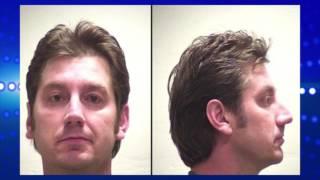 Un hombre aparentemente drogado fue arrestado junto con tres niños pequeños