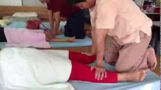 getlinkyoutube.com-วิธีการนวดแผนไทย1 วิทยาลัยสารพัดช่างสกล