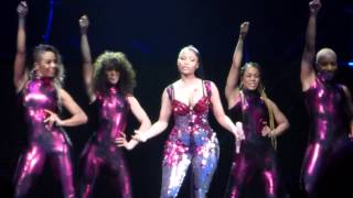 getlinkyoutube.com-Nicki Minaj - Super Bass - The Pink Print Tour - Stockholm 16/3-2015