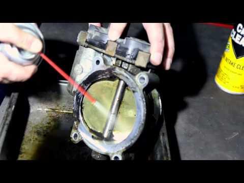 Cadillac Escalade - чистка или замена УДЗ (узла дроссельной заслонки), адаптация