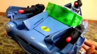 getlinkyoutube.com-Super Cool Secret Spy Attack Finn McMissile CARS 2 Disney Pixar 1:24 scale review by Blucollection