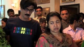 getlinkyoutube.com-Dance Master Raghuram passed away - Actress Raadhika Sarathkumar pays Homage -- Red Pix Life
