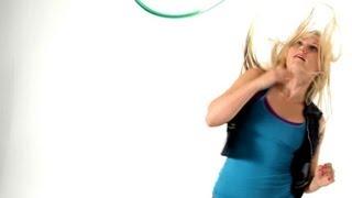 getlinkyoutube.com-How to Do a Hula Hoop Shoulder Pop | Hula Hooping