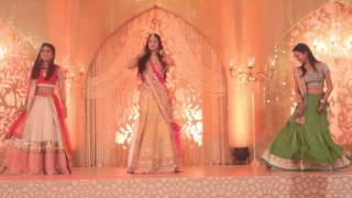 getlinkyoutube.com-Bride's Sister's Dance To Banno   Sangeet   Wedding   Happy Dancing Feet