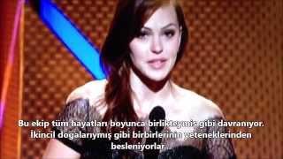 """getlinkyoutube.com-Teen Wolf Ekibi """"En İyi Kadro"""" Ödülünü Alıyor!"""