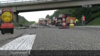 getlinkyoutube.com-bluptv: Tödlicher Unfall A7