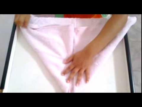 Pênis feito com uma toalha.