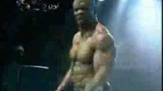 getlinkyoutube.com-Terry Crews - Robot Dancing