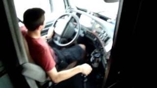 getlinkyoutube.com-me driving a volvo vn670....