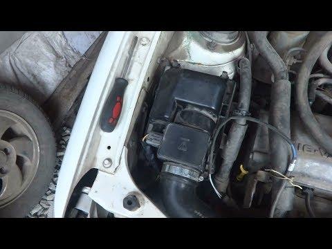 Замена датчика массового расхода воздуха на Mazda Demio