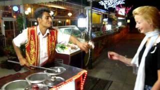 getlinkyoutube.com-Los curiosos heladeros de Estambul - Civitatis.com