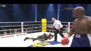 getlinkyoutube.com-Funny Knockouts Johnathon Banks vs Travis Walker Ko round 6
