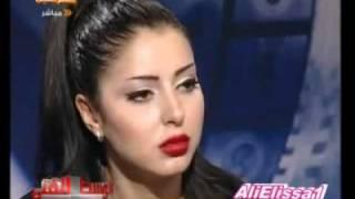 بكاء ايناس النجار بسبب مشاهد الساخنه في فيلم احاسيس