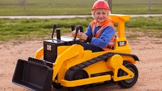 getlinkyoutube.com-Kid Trax CAT Bulldozer - Kids Tractor (Unboxing and Riding)!