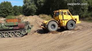 getlinkyoutube.com-Kirovets K700 & Tank - Panzer. Кировец К 700 и Танк