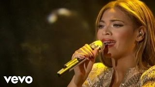 Beyonc� - Sweet Dreams (Live at Wynn Las Vegas)