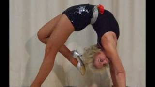 getlinkyoutube.com-65yr old Contortionist